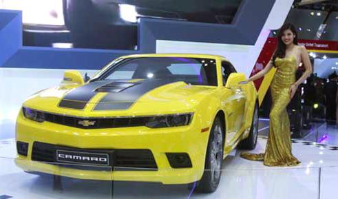 Khát xe sang, ôtô mẫu 7 tỷ đòi mua luôn, đi ngay