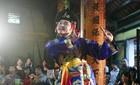 Bổ sung vô tội vạ thần thánh vào điện thờ
