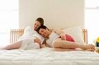 Vợ có bầu chồng bị nghén... 'yêu'