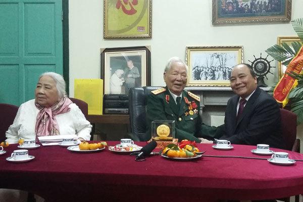 Clip: Đông đảo lãnh đạo chúc thọ Đại tướng Lê Đức Anh