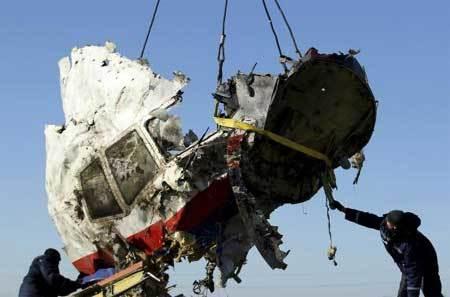 Thế giới 24h: Mảnh vỡ của MH17 'lên tiếng'