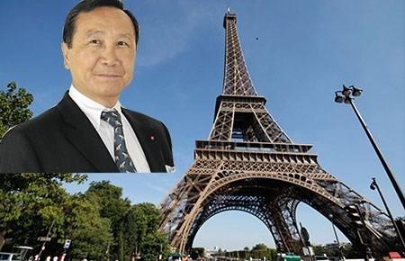 Sự thật về triệu phú người Việt mua tháp Eiffel