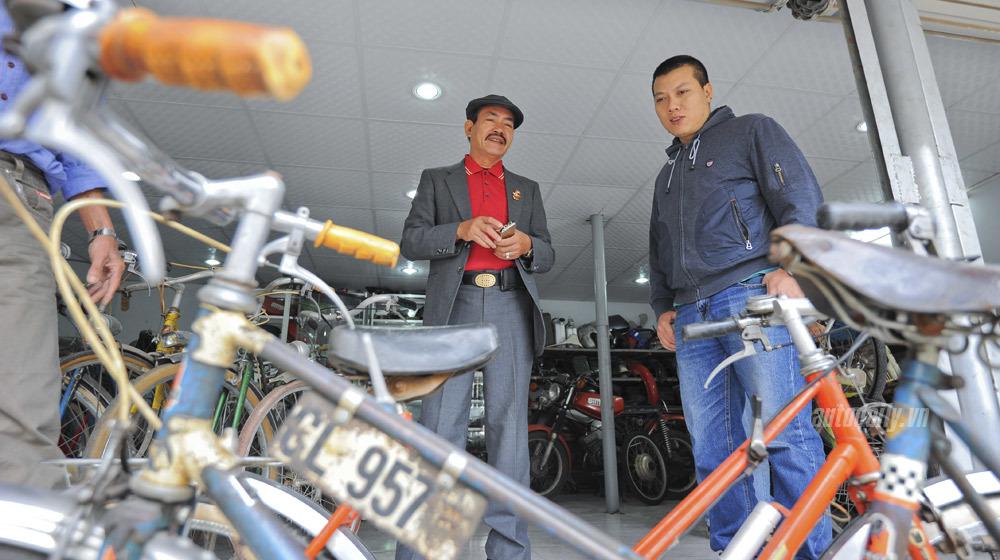 Kho xe cổ hàng trăm chiếc của tay chơi lão làng Hà Thành