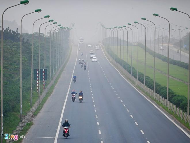 Giao thông kiểu 'đường làng' ở đại lộ 7.500 tỷ