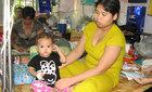 Gia đình lao đao vì con bị bệnh bạch cầu cấp