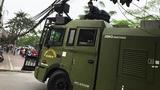 Cảnh sát đưa xe 'khủng' tới sân Mỹ Đình