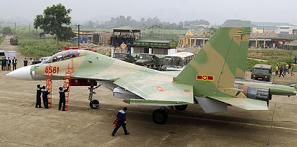 Hai tiêm kích Su-30MK2 về Việt Nam