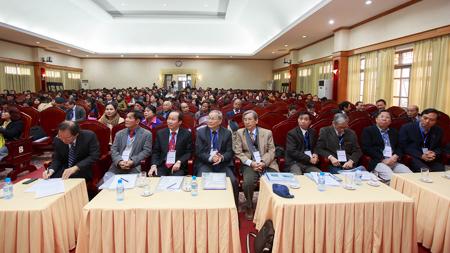 Hàng trăm nhà khoa học thúc đẩy việc quảng bá Tiếng Việt