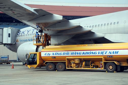 hàng-không, giám-giá-vé, vé-máy-bay, xăng-dầu, Vietnam Airlines, Jetstar Pacific, VietJet Air