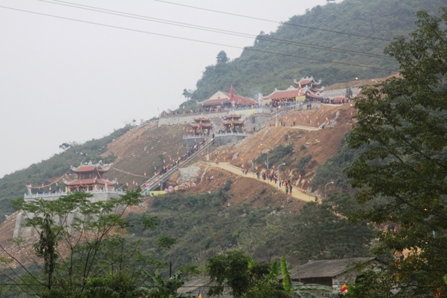 Chủ tịch nước, chùa Phật tích Trúc Lâm, Bản Giốc
