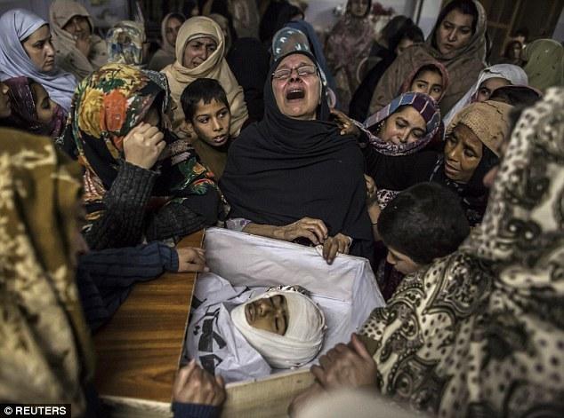 Hình ảnh thương tâm sau vụ thảm sát ở Pakistan