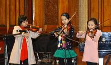 Ca sĩ nhí của Đồ Rê Mí biểu diễn tại Giai điệu Giáng sinh