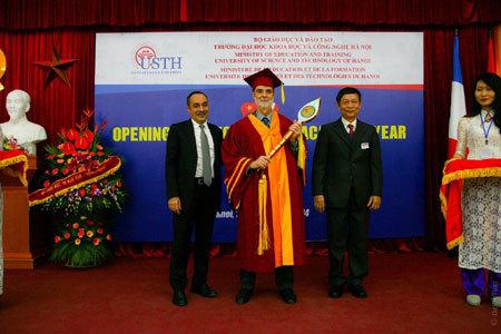 Trường ĐH Khoa học và Công nghệ Hà Nội có hiệu trưởng mới