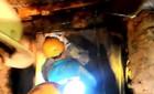 Tiếng kêu của 12 công nhân bị kẹt trong hầm thuỷ điện