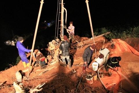 sập hầm, cứu nạn, cảnh sát, công nhân, ôxy, lâm đồng, Hoàng Trung Hải, giải cứu