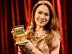 Mỹ Tâm cư xử lạ lùng với giải thưởng âm nhạc Việt