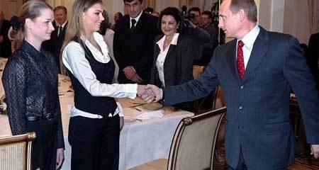"""Tổng thống Putin """"đang yêu"""""""