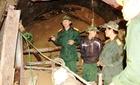 Cảnh nổ mìn phá đá, đào hầm cứu 12 người