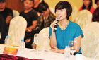 Hoàng My cùng Rockstom7 mang nụ cười đến trẻ Việt