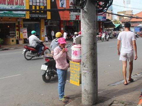 trà đá miễn phí, Sài Gòn, từ thiện, sửa xe