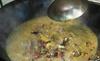 Không thể tin: Món lẩu phân bò non