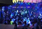 Hàng chục dân chơi nghiện ma tuý, lắc điên cuồng trong bar