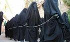 Phơi bày tội ác tình dục kinh hoàng của IS