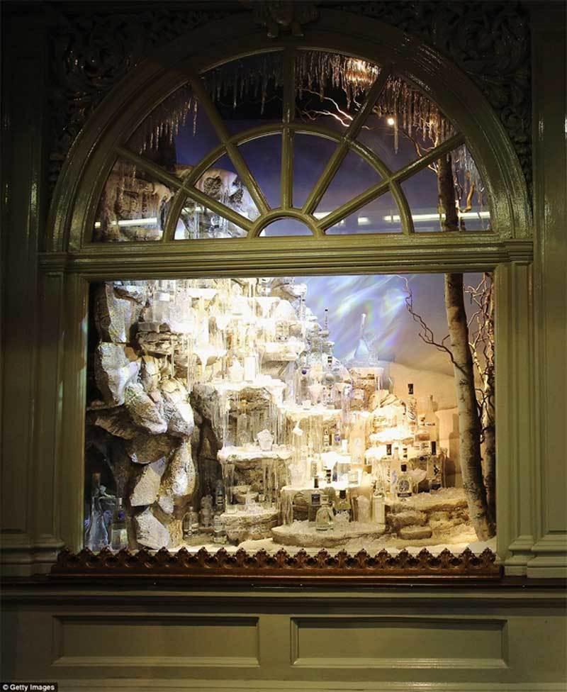 Ngắm nhìn những ô cửa Giáng sinh đẹp nhất thế giới