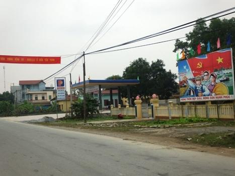 Xã bán đất công, DN đặt cây xăng sát khu dân cư