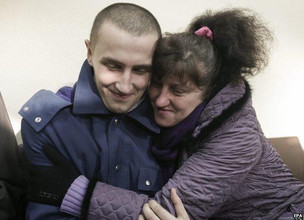Các bên ở Ukraina trao đổi tù binh