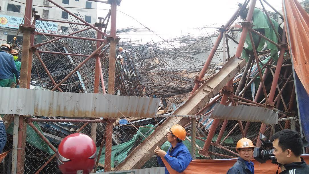 sập giàn giáo, Cát Linh - Hà Đông, đường sắt trên cao, taxi, tai nạn, bê tông