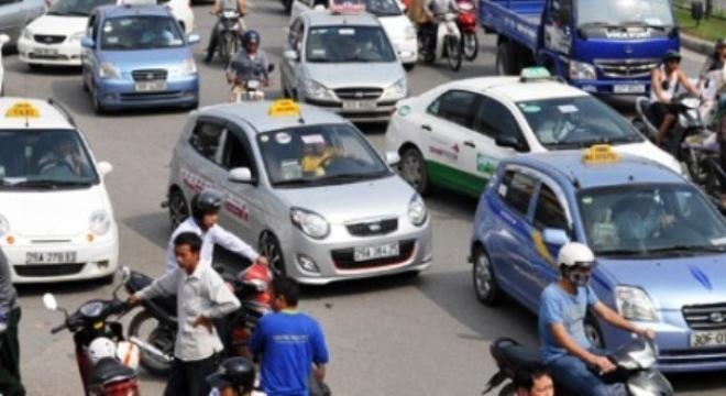 Đầu tháng 1/2015, cước vận tải, taxi đồng loạt giảm