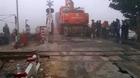 Sương mù, xe đầu kéo tông thẳng vào tàu hỏa