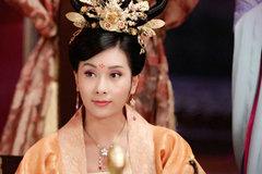 Hoa hậu tai tiếng thử sức trong phim về Võ Tắc Thiên