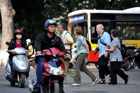 Khách Tây viết về dòng sông xe máy ở Việt Nam