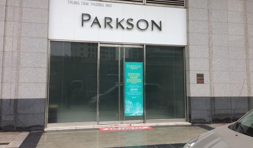 Chủ hàng lo phá sản vì Parkson Landmark đóng đột ngột