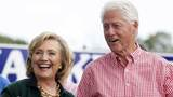 """Bill Clinton bị """"cuốn"""" vào bê bối tình dục mới"""