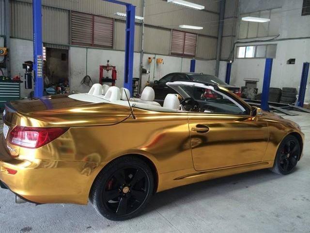Siêu xe mui trần mạ vàng của đại gia 9x Hải Phòng