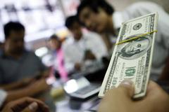 USD lên 'vùn vụt': Chớ để trở tay không kịp