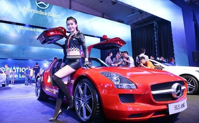 8 loại xe trên 10 tỷ vào tay đại gia Việt