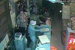 Camera ghi lại vụ trộm tiệm vàng ở Cần Thơ