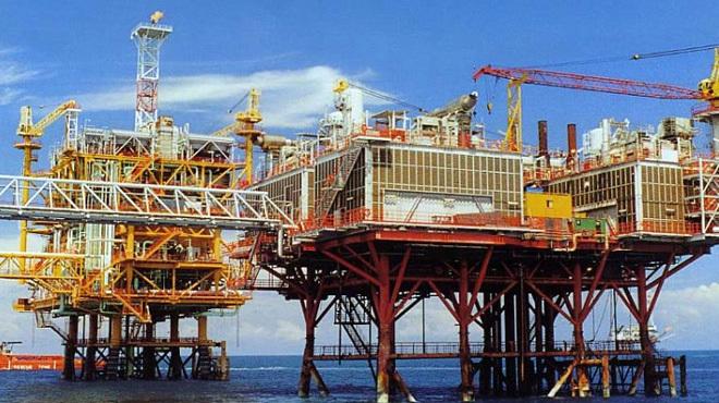xăng-dầu, tăng-giá-xăng, giảm-giá-dầu, xuất-lậu, quỹ-bình-ổn, Petrolimex, giá-điện, giá-than, giá-sữa, dầu-thô, PVN