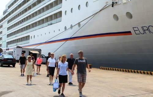 Du lịch Việt sẽ mất lượng lớn khách du lịch tàu biển?