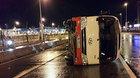 Xe chở 27 người lật trên đại lộ Võ Nguyên Giáp