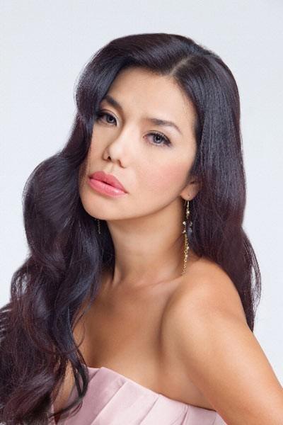 Những chiêu PR nhạy cảm của ca sĩ Việt bị khán giả phản đối