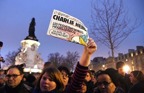 Charlie Hebdo lại biếm họa Đấng tiên tri Mohammed