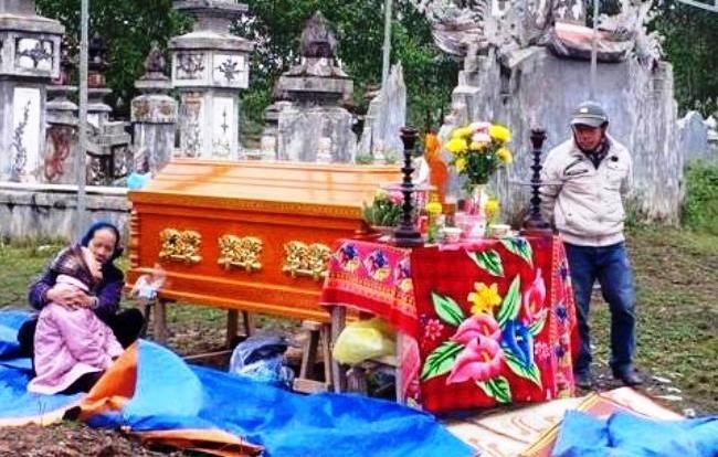 thầy giáo, treo cổ, tự tử, nghĩa địa, Thừa Thiên Huế