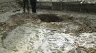 Xuất hiện hố sụt lún sau động đất
