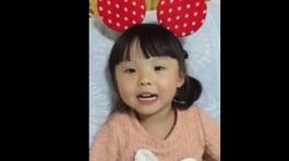 Bé 4 tuổi phiên dịch tiếng Hàn - Việt gây sốt