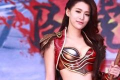 Mỹ nữ cosplay xinh đẹp rực sáng sân khấu